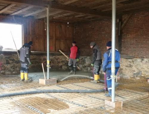 Bodenplatte und Drainage für den Blunaschuppen